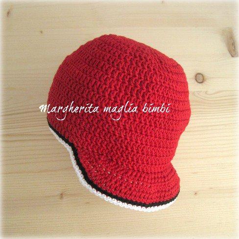 Cappello/cappellino con visiera bambino - cotone rosso/bianco/nero - uncinetto