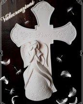 Bomboniera in polvere di ceramica rappresentante un angelo con croce molto delicato