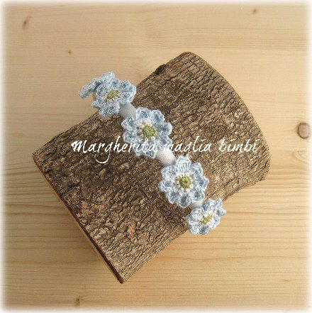 Cerchietto/cerchiello capelli bambina - raso bianco con fiori azzurri cotone - uncinetto