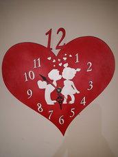 Orologio degl' innamorati in legno a forma di cuore