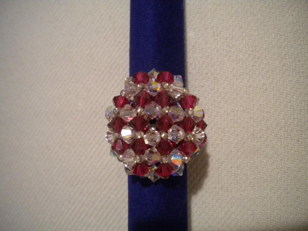 Anello tondo swarovski rubino e cristallo