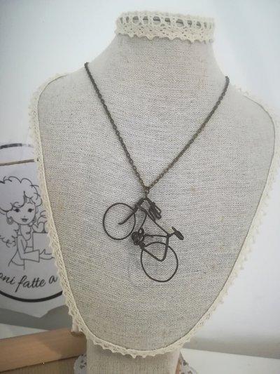 Collana vintage bicicletta. Anni 80 Bijoux bici. Sport Collezione. Pezzo unico