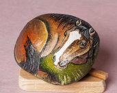 CAVALLO DIPINTO SU PIETRA NATURALE - sasso dipinto - animali - collezione