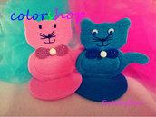 Gattino con fiocco realizzato a mano, portaconfetti o bomboniera in vari colori disponibile