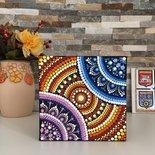 Quadretto mandala. Mandala dipinto a mano con colori acrilici con la tecnica del puntinismo.
