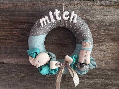Ghirlanda, fiocco nascita bimbo e bimba, personalizzabile con nome in gesso ceramico. Per annunciare la nascita o come decorazione per la cameretta.