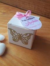Bomboniere battesimo,scatoline portaconfetti battesimo,fatto a mano,targhette battesimo personalizzate,bomboniere bimba,sacchetti per confetty,confettata,baby shower,comunione,compleanno,cresima,tema farfalla,rosa