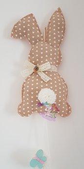 coniglio fuoriporta in pannolenci- decorazione primaverile