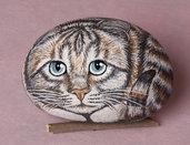 GATTO TIGRATO OCCHI AZZURRI - sasso dipinto - pietra dipinta - soprammobile - collezionismo
