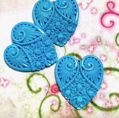 4 pz ciondoli CUORE INTARSIATO azzurro - lucite - 4,8 cm