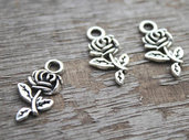 25 charms rosa con stelo 21x10mm