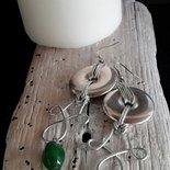 Orecchini pendenti in alluminio color argento con perla verde fatti a mano -Happy Summer-
