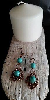 Orecchini pendenti in rame con perle azzurre fatti a mano - Happy Summer -