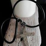 Collana a girocollo in caucciù con pendente a forma di croce in Zama fatta amano - Happy Summer -