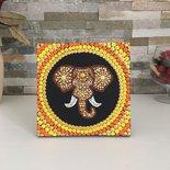 Quadretto mandala. Quadretto da appendere con elefante realizzato in stile mandala con la tecnica del puntinismo