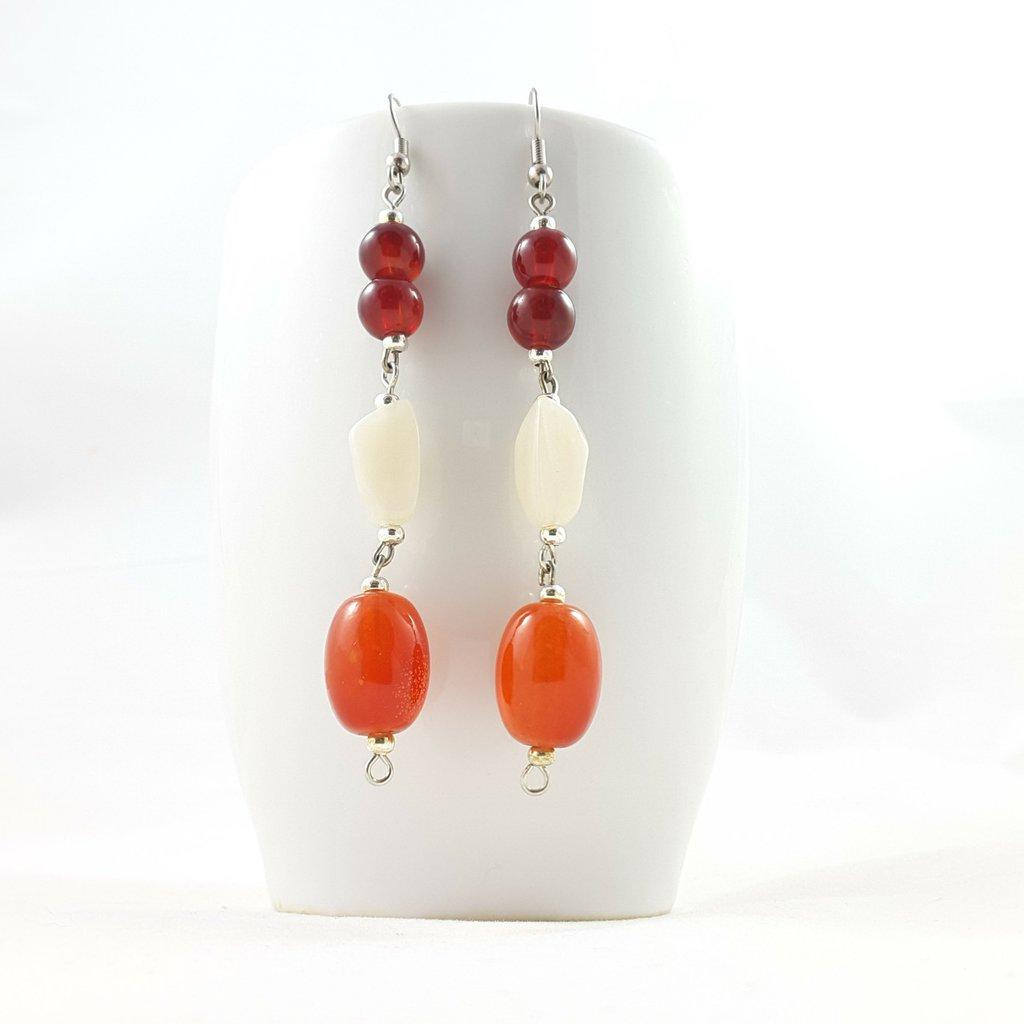 Orecchini rossi e bianchi, pendenti, pezzo unico, oaak, modello originale, estivi, idea regalo, compleanno, festa della mamma