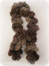 Sciarpa di lana pom pom