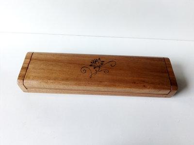 Idea regalo astuccio in legno di noce fatto a mano