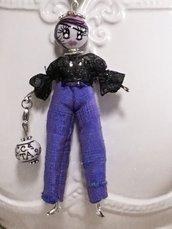 Collana bambolina con pantaloni, collana dolls di ceramica