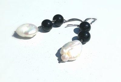 orecchini con onice nera e perla barocca