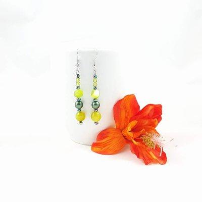 Orecchini verdi pendenti con agata, cristalli e perle, vetro, pezzo unico, oaak, modello originale, idea regalo, compleanno, festa della mamma.
