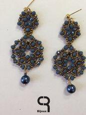 Orecchini blu pendenti