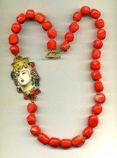 COLLANA in corallo con grande regina mora ceramica di Caltagirone