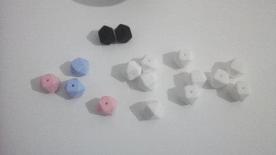 Materiale per catenelle portaciuccio, set di 16 perle esagonali in silicone naturale