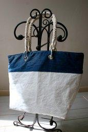 Borsa realizzata con vela e denim riciclati.Made in Italy