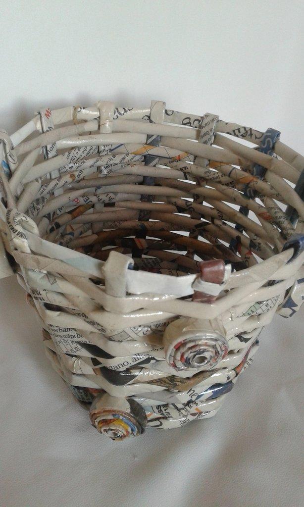 *cestino carta con spirali*