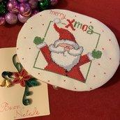 Scatola con ricamo natalizio