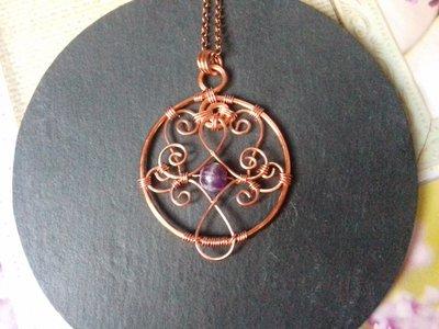 Ciondolo wire in rame con perla di ametista e catena lunga