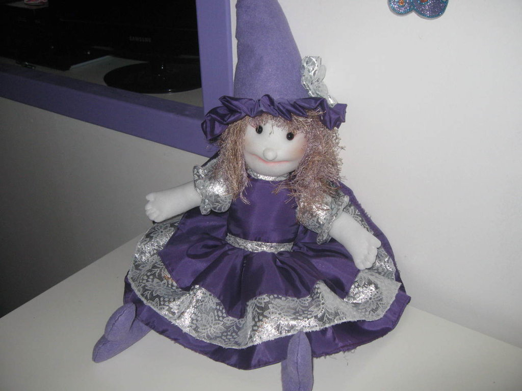 bambola violetta