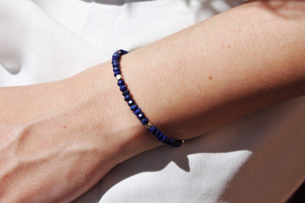 Braccialetto minimalista unisex con pietre dure alta qualità, bracciale sottile coppia argento e lapislazuli fatto a mano.