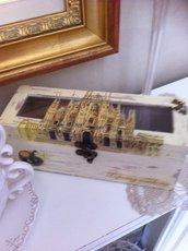 Scatola legno portathe o tisane e infusi,decorata in decoupage - duomo Milano