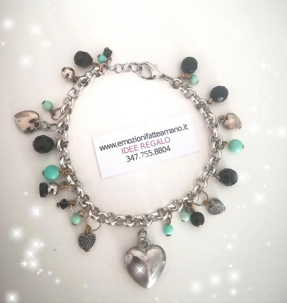 miglior sito web a06f6 21d8d Bracciale charms ciondoli pendenti. Nero Tiffany. Cuore. Etnico