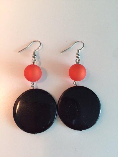 Orecchini neri e arancio