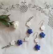 "Parure ""Fiori blu e bianchi"" orecchini + bracciale"