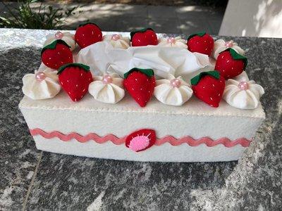 Scatola di feltro per box porta fazzoletti di carta, torta con fragole e panna