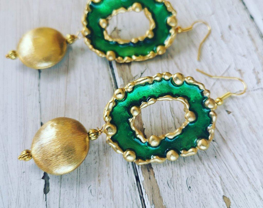 Orecchini oro e verde smeraldo