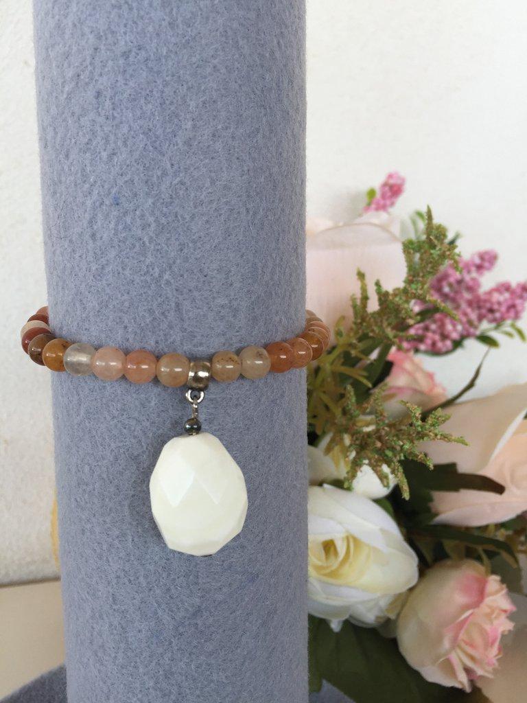 bracciale in corniola e opale bianca