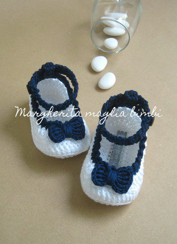 Scarpine ballerine bianche con cinturino e fiocco blu in cotone - bambina - Battesimo