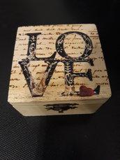 Cofanetto in legno love