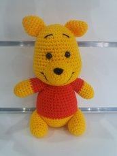 Pupazzo Winnie de pooh realizzato a mano