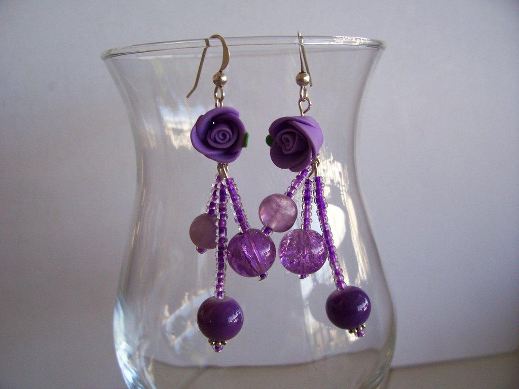 orecchini viola con rosellina in fimo