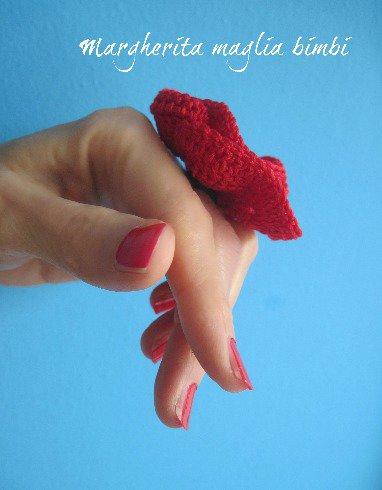 Anello donna in microfibra con papavero all'uncinetto - moda estate - idea regalo!