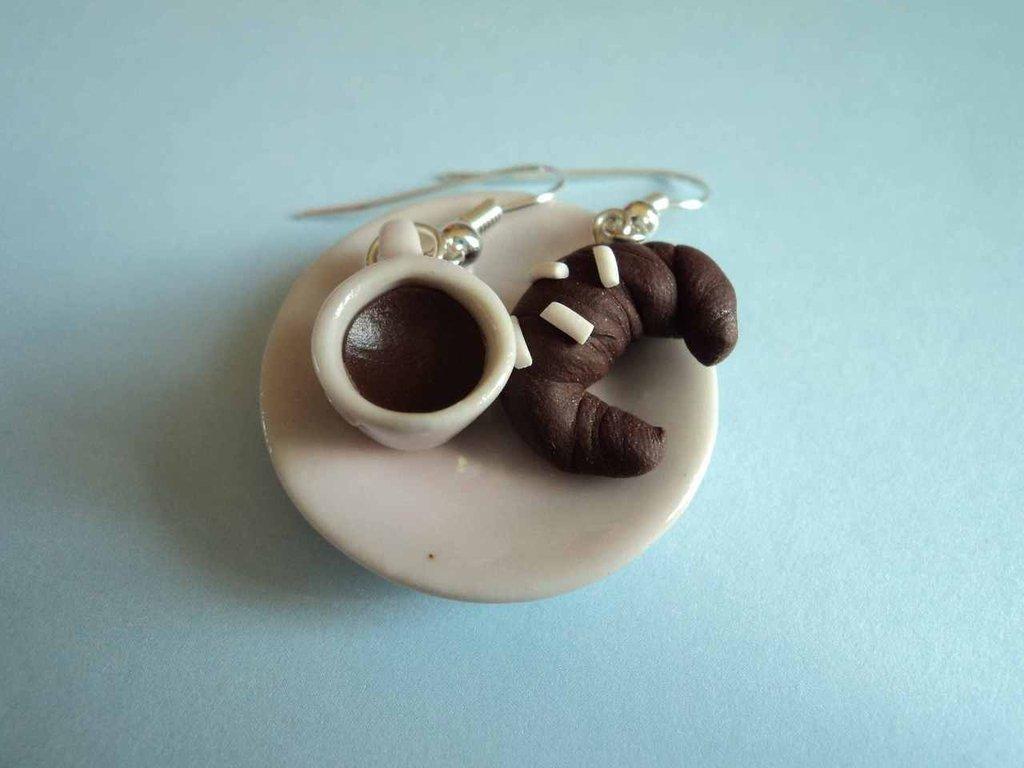 orecchini tazza cioccolata e cornetto in Fimo