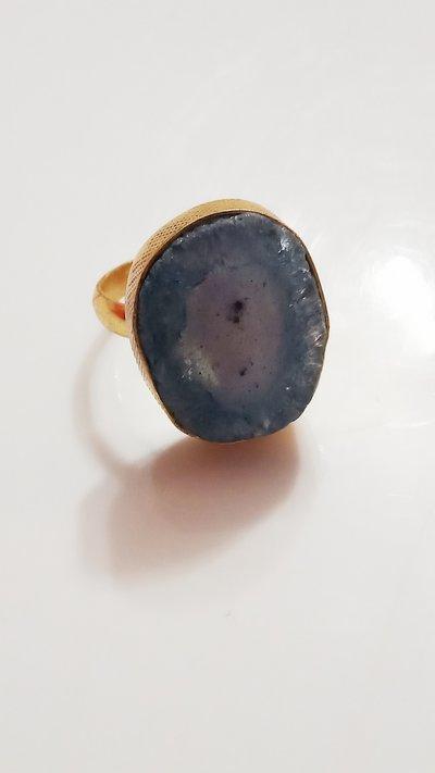 anello quarzo geode intagliato