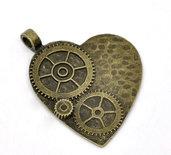 4 ciondoli pendenti cuore con ingranaggi bronzo 50x38mm