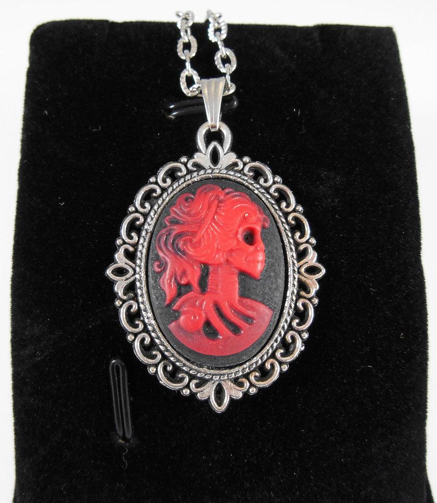Collana con cammeo gothic Lady Skull teschio rosso nero